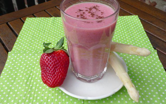 Fruehlings-Smoothies-Erdbeere