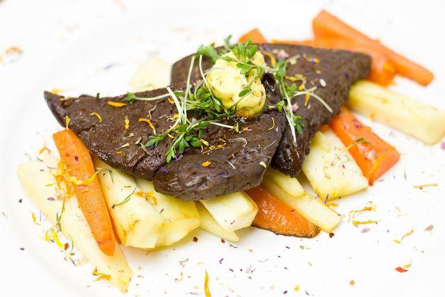 Seitan ist ein beliebtes Fleischersatzprodukt, das du selber machen kannst.