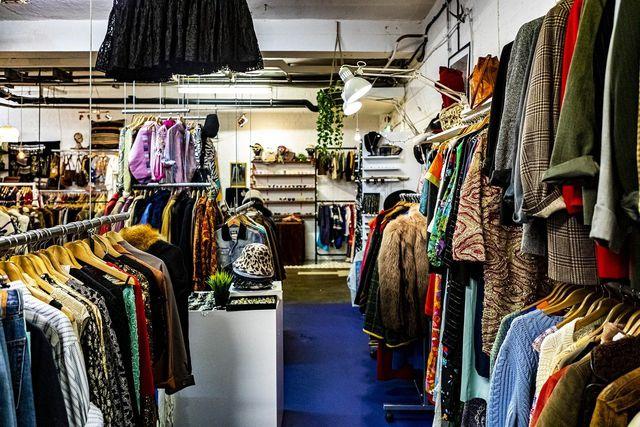 Secondhand-Läden nehmen deine Kleidung in Kommission