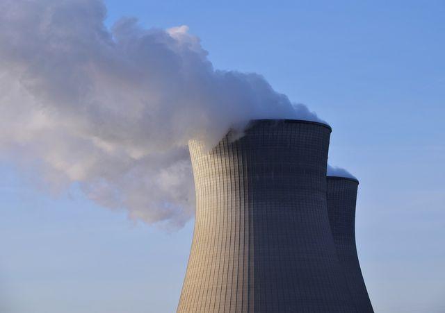 Kernkraftwerke verursachen Atommüll, der gelagert werden muss.