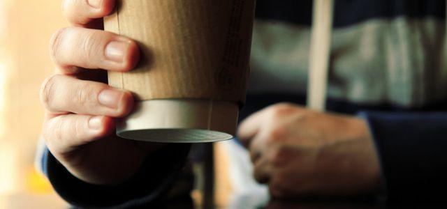 Coffee to go Becher produzieren eine Menge Müll