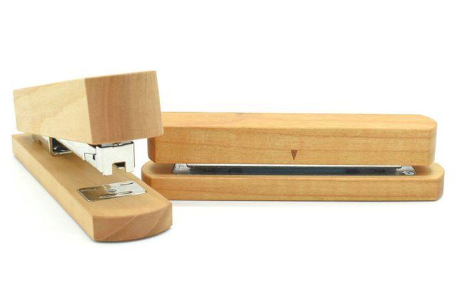 Büromaterialien: Tacker & Kocher aus Holz