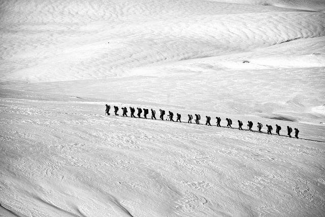 Heilfasten in der Gruppe lässt dich leichter durchhalten und Risiken besser abschätzen.