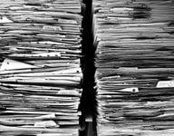 Für deine Selbstorganisation musst du deine Papierstapel durchforsten.