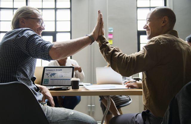 Positives Feedback hilft dabei, dass konstruktive Kritik besser aufgenommen wird.