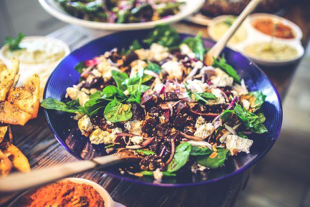 Spinat kann man genauso zubereiten wie Feldsalat.
