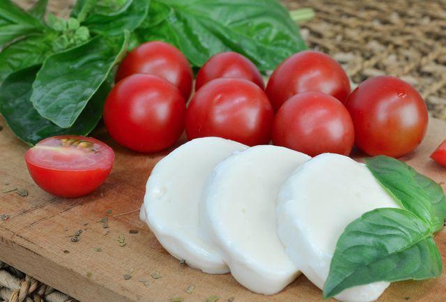 Kaufe den Mozzarella für den Gnocchi-Auflauf in Bio-Qualität.