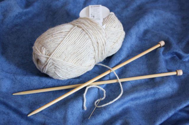 Flauschigen Schal stricken mit dicker Wolle.
