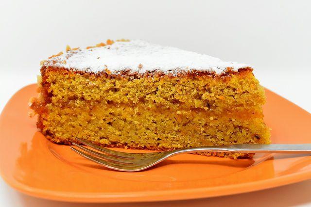Karottenkuchen schmeckt auch vegan super.