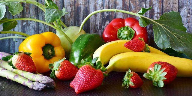 Bei einer ausgewogenen Ernährung sollten Obst und Gemüse mengenmäßig den größten Anteil haben.