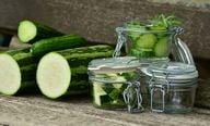 Zucchini kannst du wie Gurken einlegen
