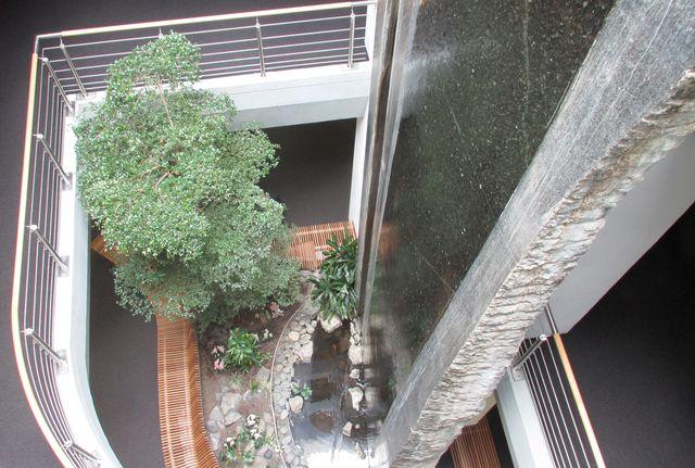 GLS-Bank-Wasserwand