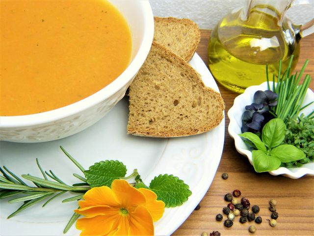 In verschiedensten Varianten ist die Karottensuppe international beliebt.