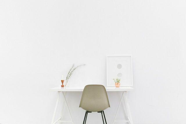 Mache deine Wohnung schön und gemütlich, wenn du viel Zeit dort verbringst.
