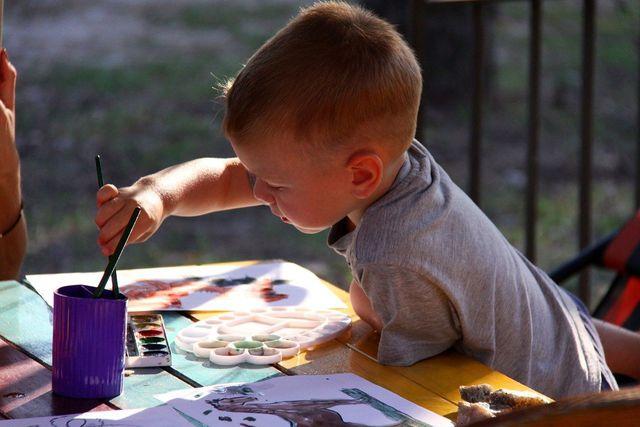 Für kreative Tätigkeiten kann extrinsische Motivation hinderlich sein.