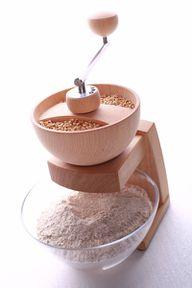 Mehl selber mahlen: mit der Getreidemühle