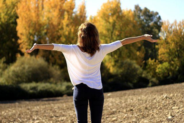 Mit ein paar Übungen am Morgen kannst du deine Stimme trainieren und aktivieren.