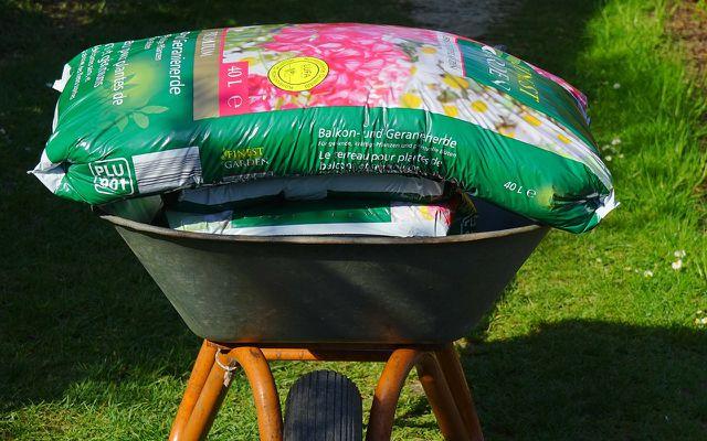 Garten: torfhaltige Blumenerde vs. toffreie Blumenerde