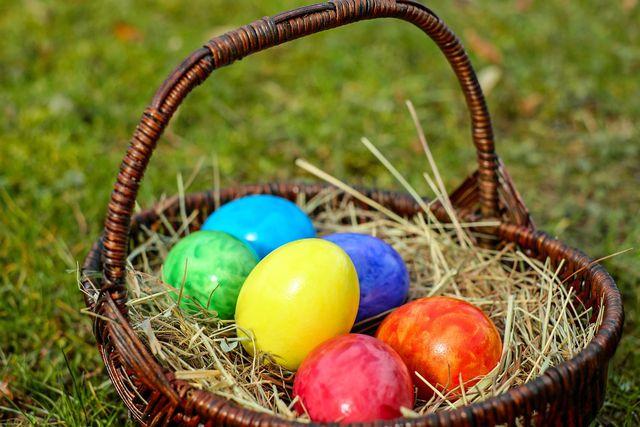 Wenn du deine Eier färbst, beeinträchtigt das die Haltbarkeit nicht.
