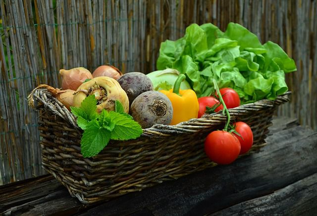 Gemüse und Salat der Saison statt Glutamat