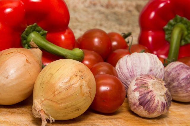 Verwende frische Zutaten für deine vegetarische Lasagne.