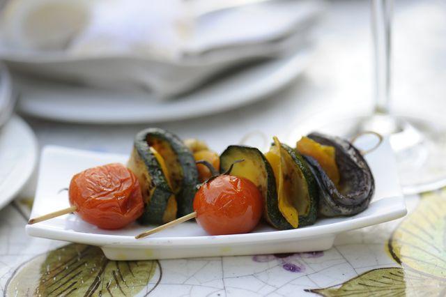 Mariniertes Grillgemüse ist eine schmackhafte Beilage.