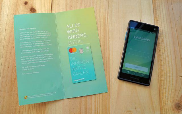Tomorrow: eine Debitkarte mit Mastercard-Funktion und eine Smartphone-App