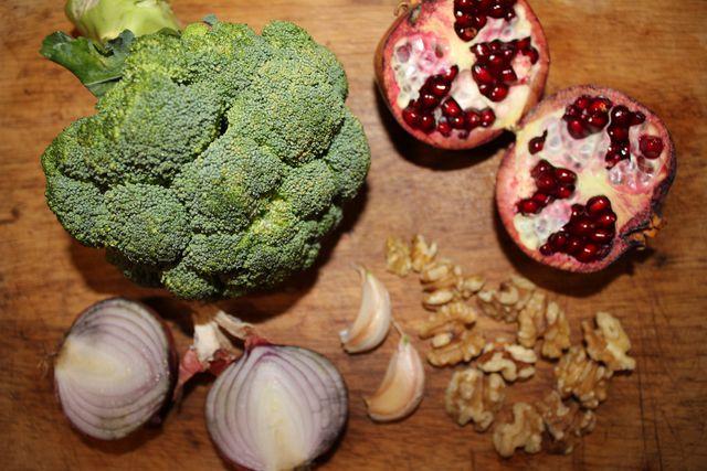 Kaufe die Zutaten für deinen Brokkolisalat am besten in Bio-Qualität.