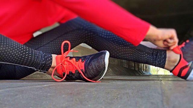 Aufwärmen und regelmäßige Ruhephasen sind wichtig, um Verletzungen vorzubeugen.