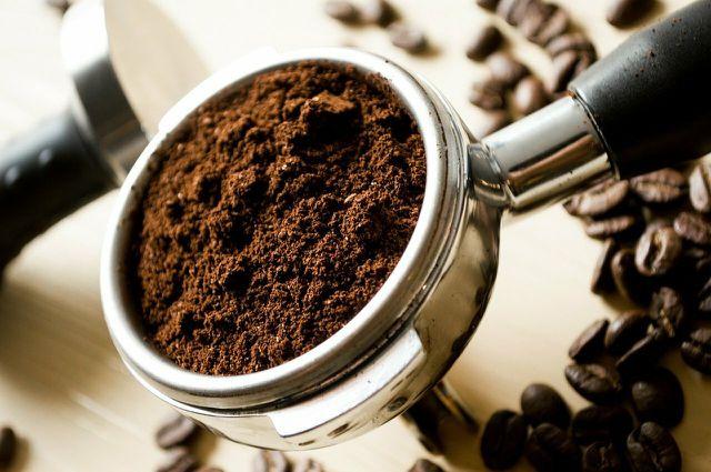 Kaffee solltest du immer nur frisch nach Bedarf mahlen.