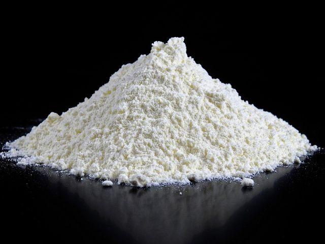 Speisestärke sorgt für gespenstisches Weiß in der Faschingsschminke.