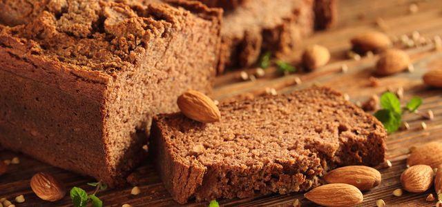 Brot mit Dinkelmehl und Roggenmehl
