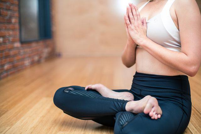 Meditation stärkt die Akzeptanz - eine Grundvoraussetzung um sich mit seinen Ängsten zu konfrontieren.