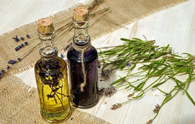 Ätherische Öle fordern die Durchblutung und lassen Schwellungen abklingen.