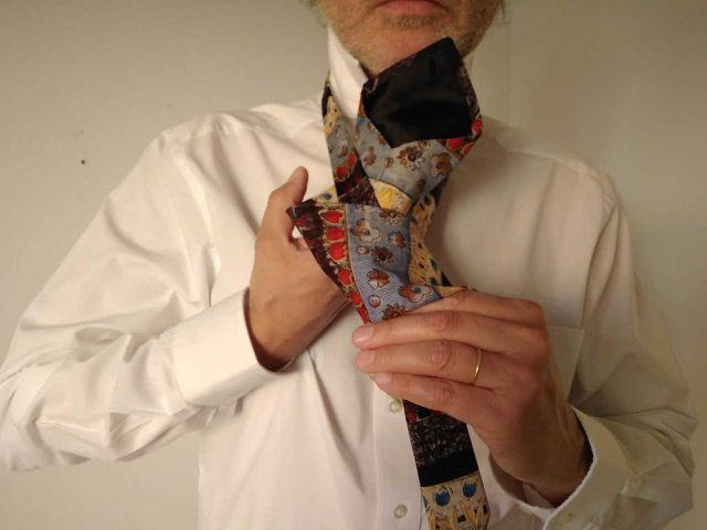 Schritt 6 beim Krawattebinden