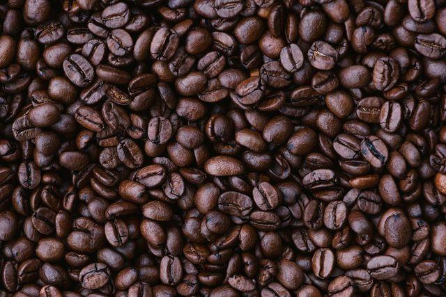 Für Kaffee gibt es viele Zubereitungsmöglichkeiten - ob als Proffee, Cold Brew oder in einem Kuchen.