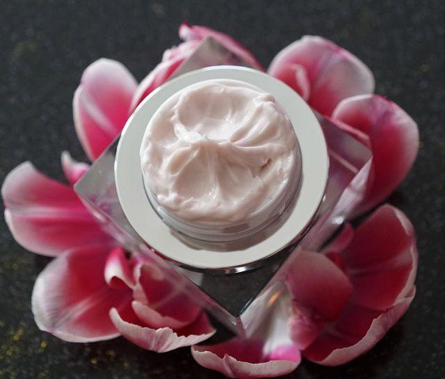 Mastix kommt auch bei Kosmetikprodukten wie Cremes und Zahnpasta zum Einsatz.