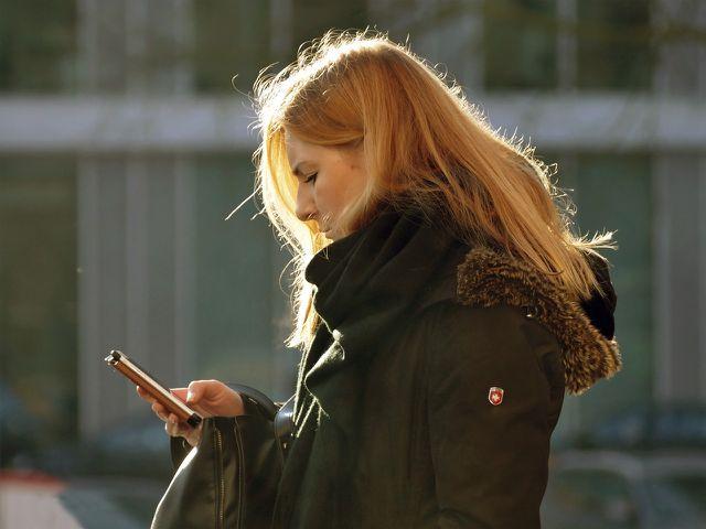 Vom Heimwegtelefon kannst du dich nach Hause begleiten lassen.
