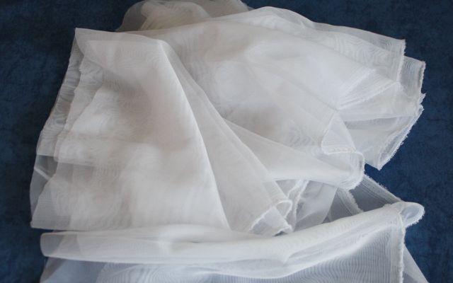 Nussmilchbeutel selber machen aus Gardinenresten.