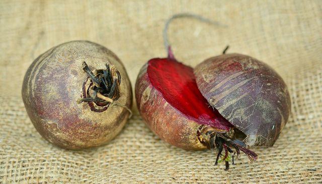Rote Bete enthält viele Vitamine und Mineralstoffe.