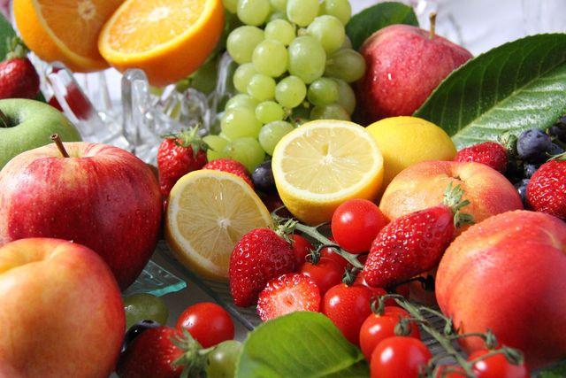 Je nach Saison kannst du verschiedene Obstsorten für den Obstkuchen vom Blech verwenden.