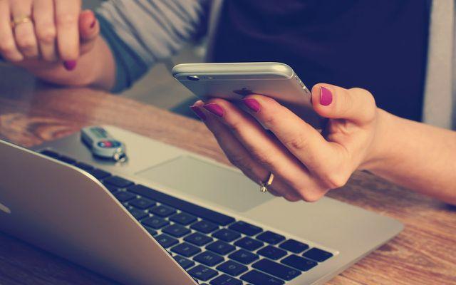 Laptop und Handy: besser auch mal abschalten.