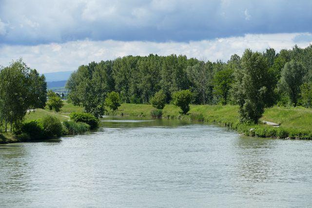 PFCs verteilen sich in Flüssen und Weltmeeren.