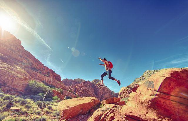 Extremer Sport in den Bergen kann Kopfschmerzen hervorrufen.