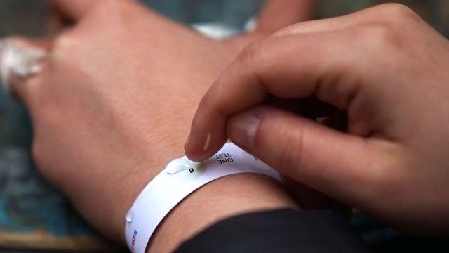 Armband gegen K.O.-Tropfen