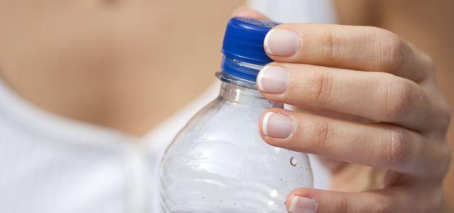 Wie gesund ist das Wasser in Plastikflaschen?