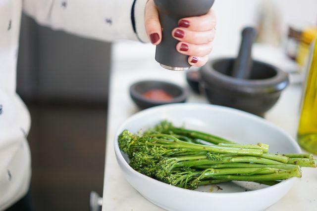 Bimi ist so zart, dass er kurz gebraten oder gedünstet am besten schmeckt.