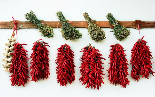 how to dry chili pepper