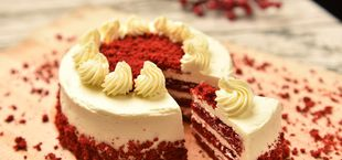 Red velvet cake is one of the most popular cakes in the US.