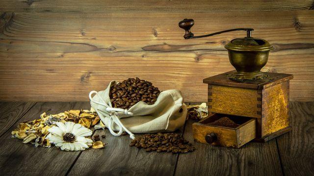 Kaffee wie Zucker waren vor zweihundert Jahren Luxusgüter in Schweden und sind heute meistens Bestandteile der täglichen Fika.